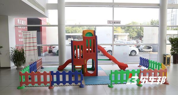 苏州欧亚伟业雪铁龙4S店