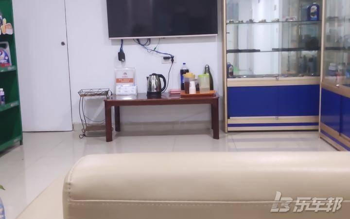 悦翔V74S店保养