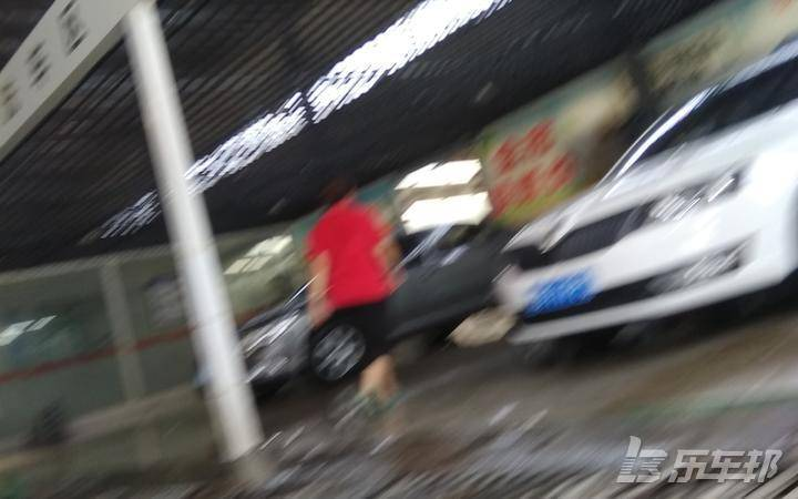 瑞风S34S店保养