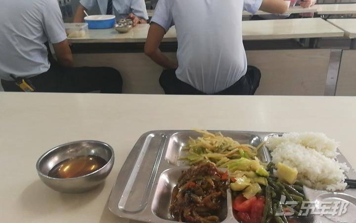 雅阁混动4S店保养